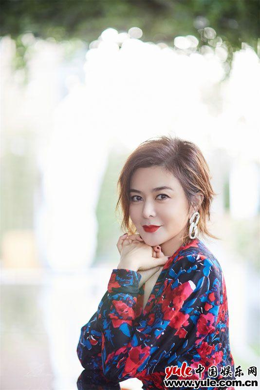 关之琳出席上海艺博会 开启艺术与品牌的跨界之旅资讯生活